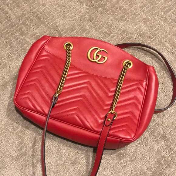 404c904c9466 Gucci Handbags - Gucci GG Marmont medium matelassé tote